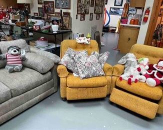 Retro recliners are SOLD