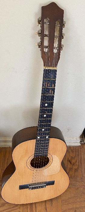 Synsonics Acoustic Guitar