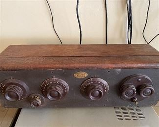 Antique 1920's Atwater Kent Tube Radio