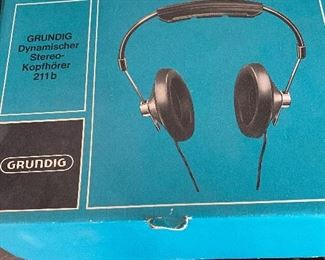 Mid Century Stereo Kopfhorer 211B Grundig Head Phones. Box