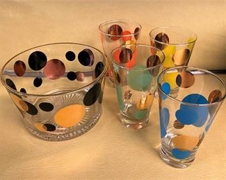 VINTAGE MID CENTURY BUBBLE GUM PROMOTIONAL GLASS ICE BUCKET AND GLASSES