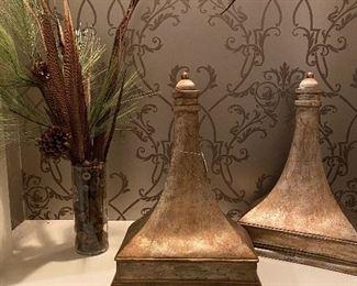 Decorative corbel shelves & floral arrangements