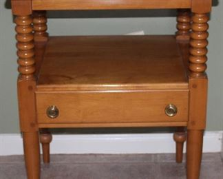"""Willett Furniture Lancaster PA Amish Made Hand Crafted Solid Maple Bed Side Table (21"""" x 17 5/8"""" x 27 1/4"""")"""