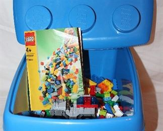 Lego #4496 Tub with Legos and Building Instruction Booklet