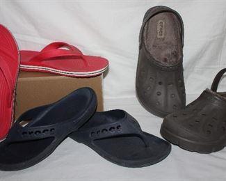 Red crocs flip flop men's size 9 Black crocs flip flops men's size 10 Crocs men's size 10