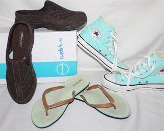 Easy spirit brown shoes women's size 9. Rockin blue flip flops woman's size 8 Teal converse all star woman's size 5