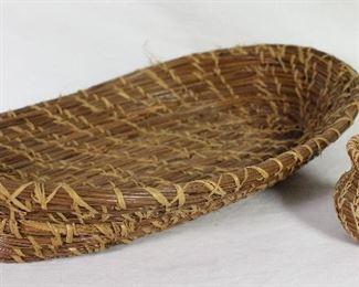 "Antique Pine Needle Oval Basket (10"" x 7"").  Vintage Miniature Raffia Sewn Pine Needle Coushetta Indiana Basket"