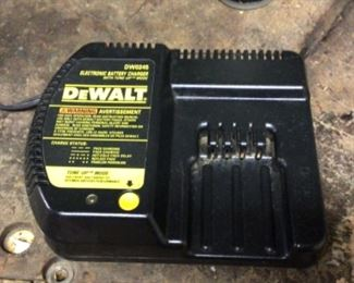 DeWalt Electronic Battery Charger with tune up mode. Model DW0245