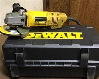 """DeWalt  114mm (4 1/2"""")  Angle Grinder. Model DW402"""