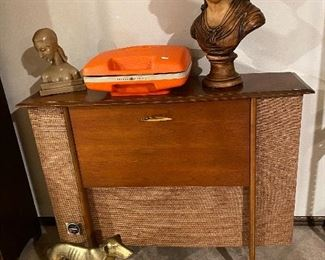 MCM record player console!
