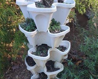 Multi-plant standing planter