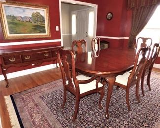 American Drew Queen Anne Low Boy, American Drew Queen Anne Dining Table with 6 chairs & extra leaf.  Rug is NOT FOR SALE