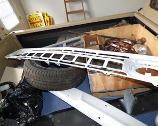 Grill &n other parts that go with 1965 Ford 100 Truck