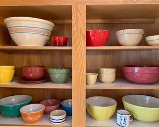 3 pc Pryex bowl set and other great bowls