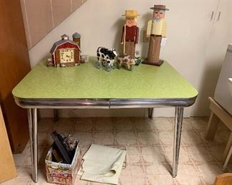Vtg. Formica table - great condition
