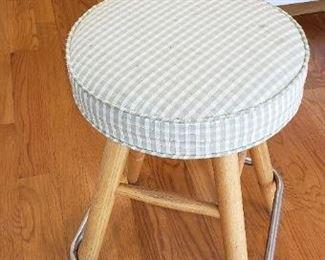 pair kitchen stools