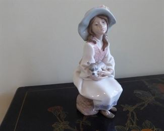 Llardo Figurine
