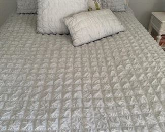 BEDDING IN ALL SIZES