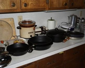 """Griswald,   10"""" skillet                                                                                                                                                                                                                   (USA, Chicken Fryer, Picnic /camping in a pot far right (sold)"""