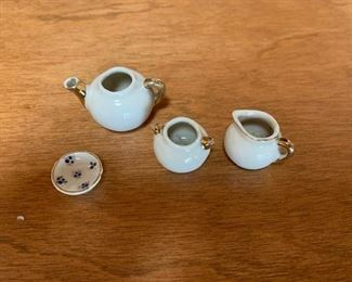 $15 Antique German doll tea set