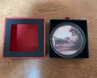 $20 Palace of the Governors Paperweight NIB