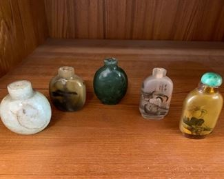 $150  Chinese Snuff Bottle Collection, 2 stone (1 jade?), 3 glass (2 inside painted)