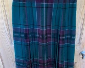 $25 Aljean Canada Size 12 Wool Plaid Skirt ca 1960