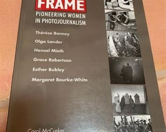 $25   'Breaking the Frame: Women in Photojournalism' McCusker, PB