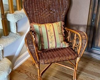 (Hall-10) $80 Vintage Child Size Wicker Arm Chair -22inW x 19inD x 30inH.  Very good condition!