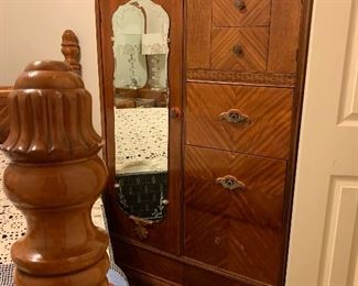 $525- OBO- Antique waterfall side by side Gentlemens chest