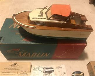 551 Marlin Fleet Line speedboat