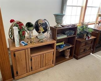 bookcases/tv stands
