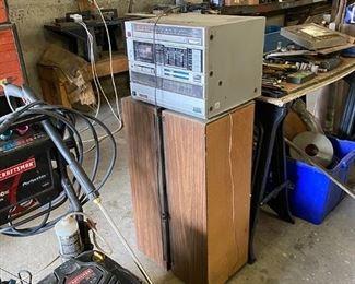 stereo/speakers