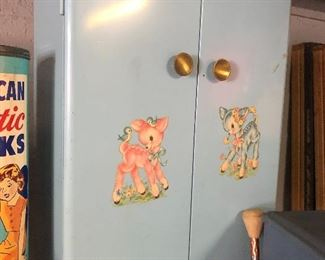 Vintage Metal Baby Doll Armoire Closet . Inside bar pulls out for hanging of clothing. Sweet. Sturdy $65