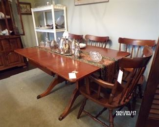 vintage dining table, drop leaf, 5 chairs