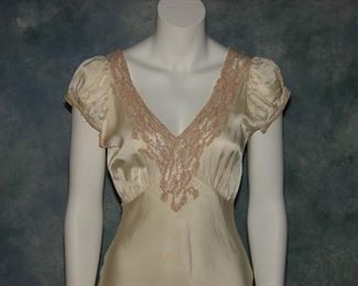 Stunning 1930s bias cut gown or dress with lace