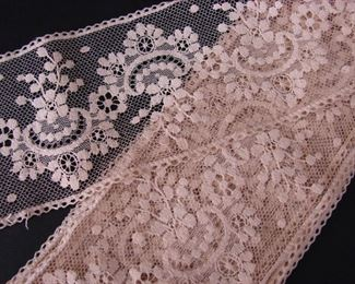 Very fine antique handmade laces (we have multiple similar lots)
