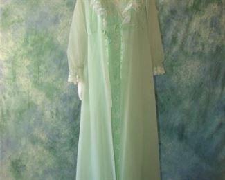 NWOT vintage  Shadowline nightgown and peignoir set