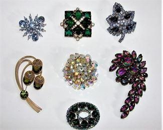 Lot of vintage costume jewelry rhinestone brooches