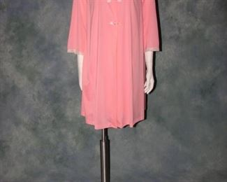 Vintage 1970s Shadowline nightgown and peignoir baby doll set, like new