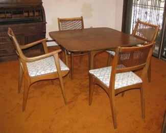 Drexel table/chairs