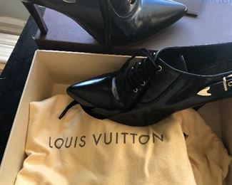 Louis Vuitton bootlets