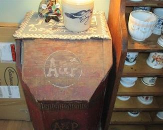A & P ~Rare A & P Wood Vintage Coffee Chest  ~ Tons Advertising Memorabilia