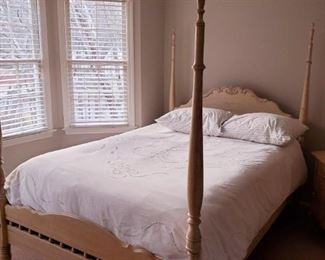 Very nice Queen size poster bed with additional metal canopy top