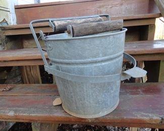 Vintage wash bucket