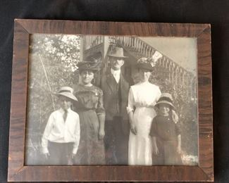 1916 Family picture in period frame