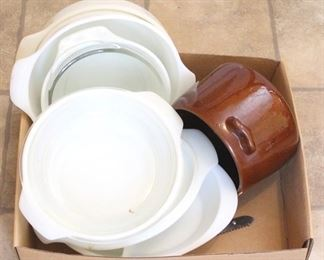 211 - Tray Lot of Assorted Items