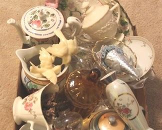 223 - Tray Lot of Assorted Items