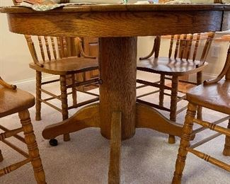 Just look at how well this table was made!