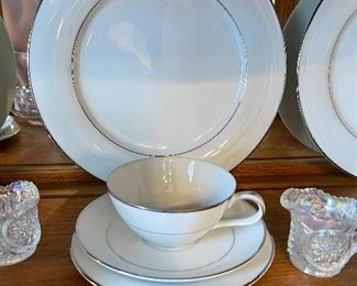 """Vintage Noritake  """"Derry"""" complete servings for 10 fine china"""